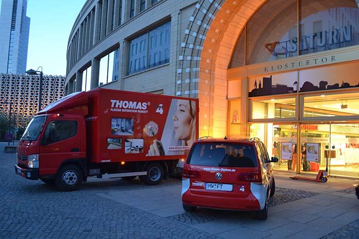 Bodenfliesen Verlegung im Chemnitzer Einkaufszentrum Roter Turm, Firmenwagen Fliesen Thomas