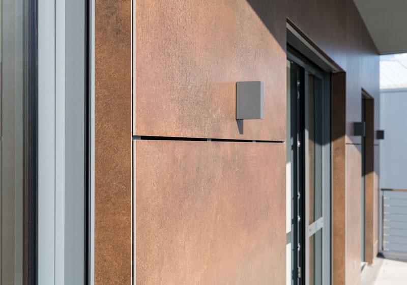 Grossflaechenkeramik-Fassade-Fliesen-Fachmarkt-Burgstädt-Türen